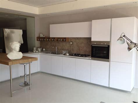 cucine con piastrelle cucina one 80 ernestomeda con piastrelle effetto cementine