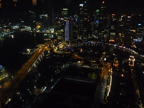singapore turisti per caso singapore di notte viaggi vacanze e turismo turisti