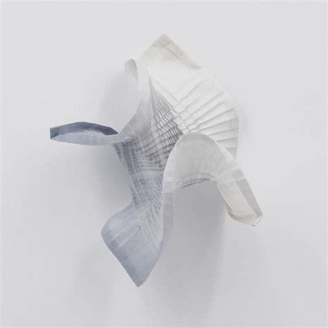 Intricate Origami - artist folds beautifully intricate origami tessellations