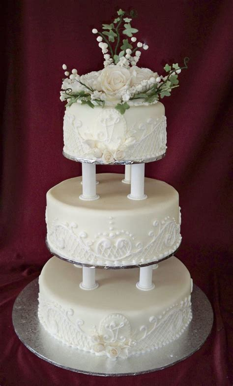 Wedding Tier Cake by Wedding Flowers Tiered Wedding Cake With Flowers