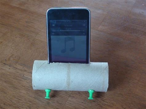 Make Your Own Toilet Paper - make your own ipod speaker lifier using a toilet paper