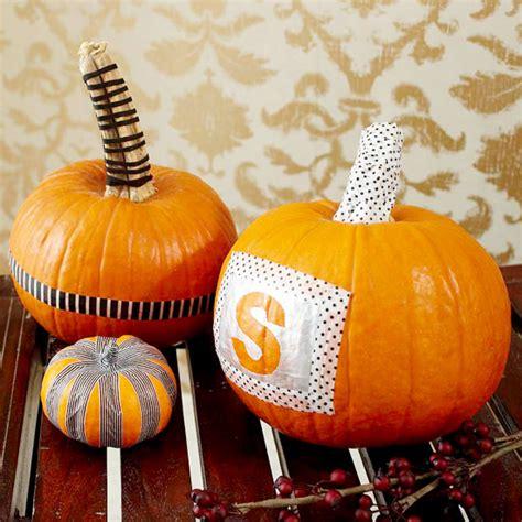 decorare zucche di halloween zucche di halloween fai da te 30 idee da copiare