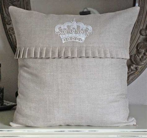 Ideas For Throw Pillows by 20 Creative Decorative Pillows Craft Ideas With