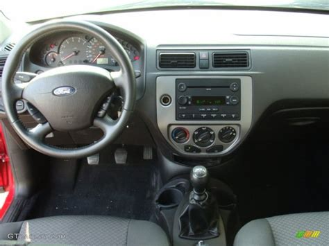 2006 Ford Focus Interior by 2006 Ford Focus Zx3 Se Hatchback Charcoal Charcoal