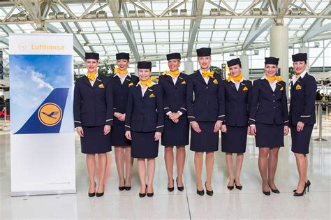 lufthansa cabin crew lufthansa cabin crew www imgkid the image