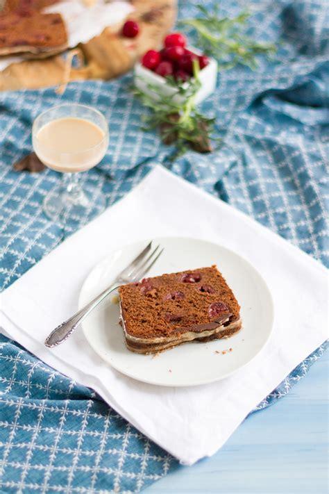 kuchen mit glasur fabulous schokoladen kirsch kuchen mit baileys i chocolate
