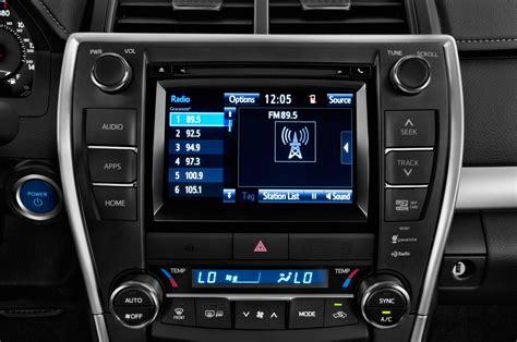 2015 Toyota Camry Hybrid Radio Interior Photo   Automotive.com