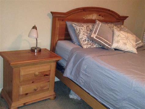 broyhill fontana bed letgo broyhill fontana bed nightstands in double oak tx