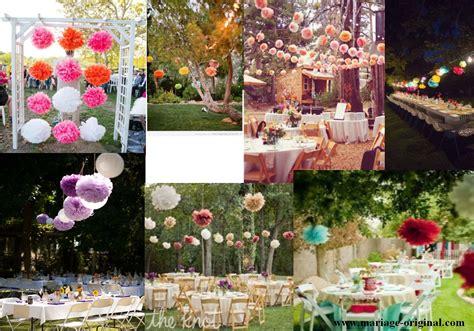 decor pour jardin pompon pour deco de mariage