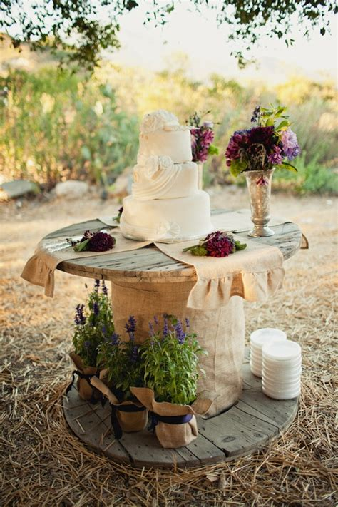 Country Chic Wedding Decor by Country Chic Wedding Cake Table Wedding Day Pins You