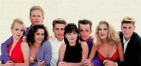 beverly hills 90210 original cast members beverly hills 90210 tv show cast newhairstylesformen2014 com