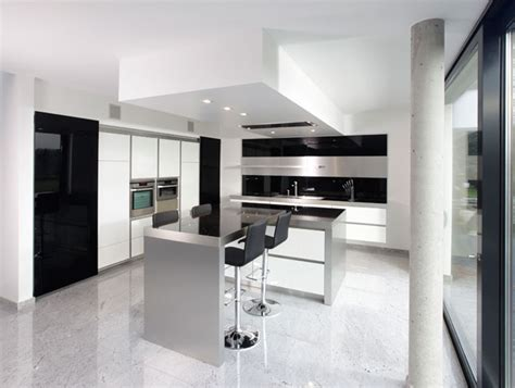 Modern Black And White Kitchen Designs | new modern black and white kitchen designs from