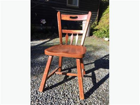 Sturdy Kitchen Chairs by 4 Sturdy Wooden Kitchen Chairs Duncan Cowichan