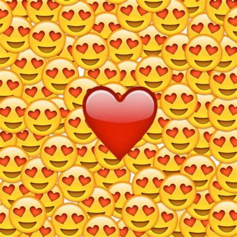 imagenes del emoji enamorado m 225 s de 17 ideas fant 225 sticas sobre emoji enamorado en
