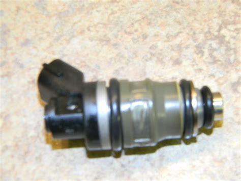 Suzuki Fuel Injection Suzuki Fuel Injector 15710 94900 1986 2003 Dt 115 140 150