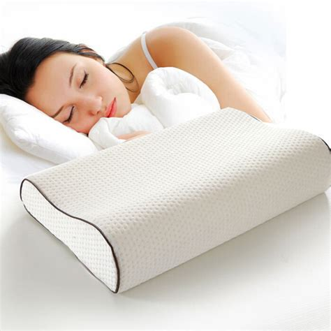 pillows on a bed hot sale memory foam bed pillows buy bed pillows memory