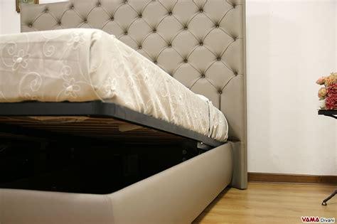 letti di pelle letto con testiera di grandi dimensioni in pelle