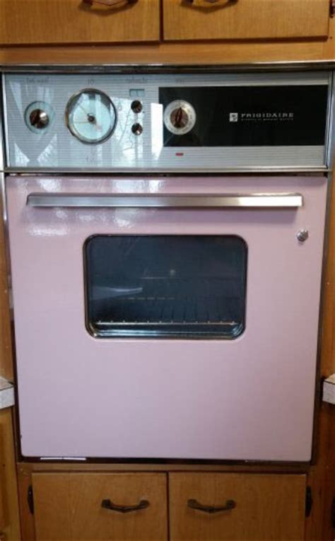 A Hotpoint Customline kitchen and 11 other favorites from