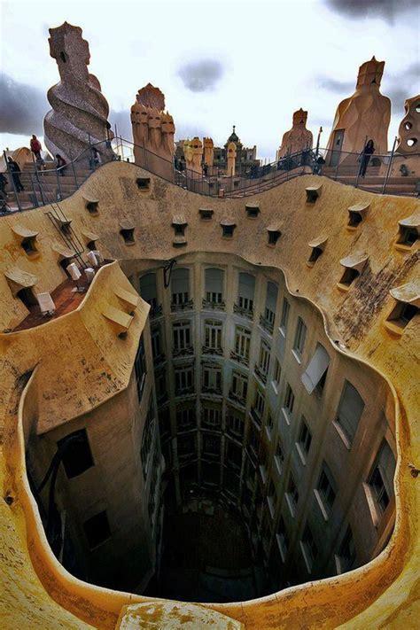 barcelona gaudi gaudi building in barcelona make4fun com 3ccb3