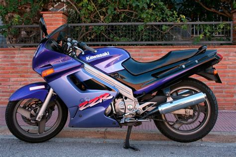 Kawasaki Zzr by 2003 Kawasaki Zzr 250 Pics Specs And Information