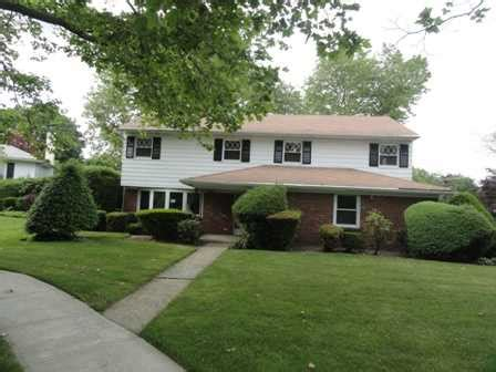 house for sale freeport ny 2 delaware cir freeport new york 11520 reo home details foreclosure homes free