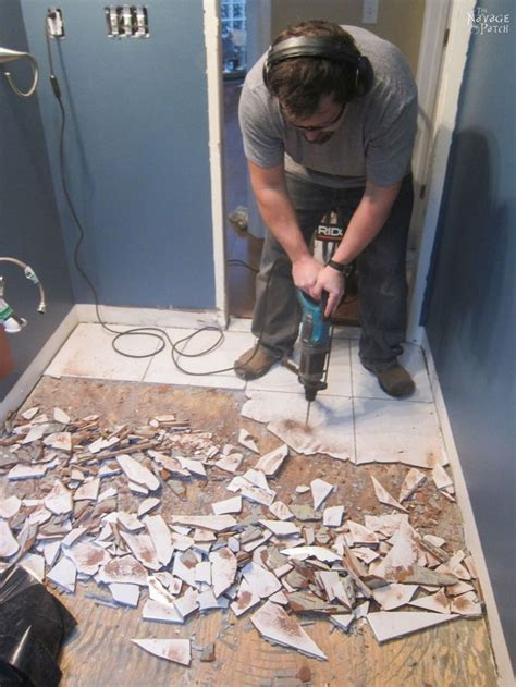how to remove bathroom floor tiles best 25 removing floor tiles ideas on pinterest small