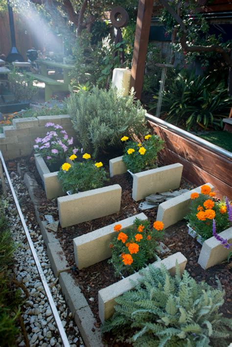block party    quick  easy raised beds