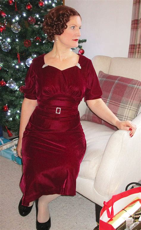 1930s velvet christmas dress vintage gal