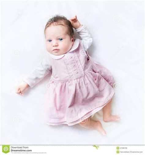 Neana Dress B02 By Zizara peque 241 o beb 233 reci 233 n nacido que lleva su primer vestido