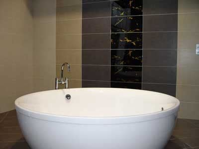 what hotels have big bathtubs round large bathtubs useful reviews of shower stalls enclosure bathtubs and other bathroom equipment