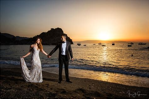 Top Destination Wedding Photographer's Tips on Destination