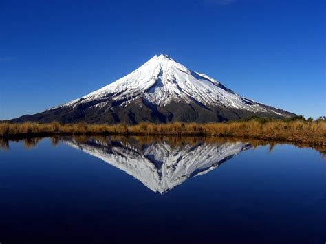 blue wallpaper nz mount taranaki new zealand beautiful places to visit