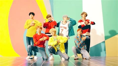 bts dna bts s quot dna quot becomes fastest k pop group mv to hit 10