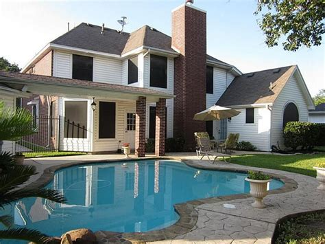 house with pool beautiful mansions with pools www imgkid the image