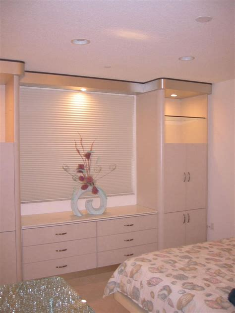 built in bedroom cabinets bedroom cabinets built in www imgkid com the image kid