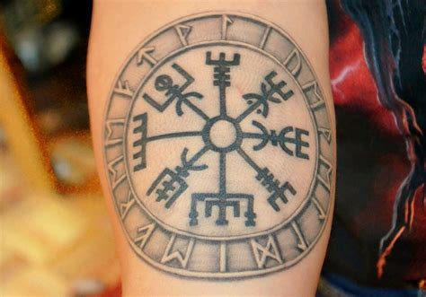 vegvisir tattoo designs viking vegvisir creativefan