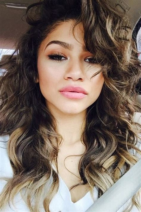 Zendaya Wavy Medium Brown Choppy Layers, Peek A Boo