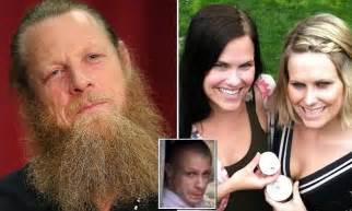 sister catches brother in bathroom bowe bergdahl s father stalked twin sisters and peeped