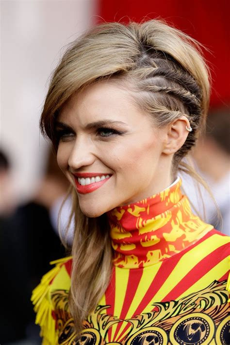 trendy hairstyles the half side braid 2018