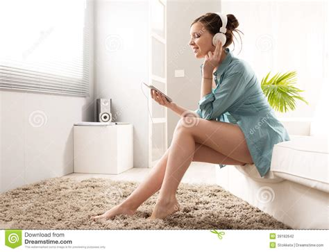 that girl mp girl with mp3 player stock photo image 39182642