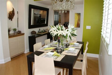 Dining Room Decorating Ideas by Small Dining Room Decorating Ideas