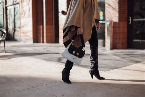 Burberry Mba by Nordstrom X Burberrry How To Style A Cape Style Mba