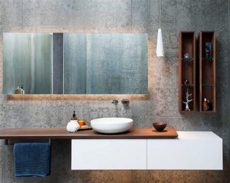 rustikale badezimmerbeleuchtung die besten 25 spiegel holz ideen auf