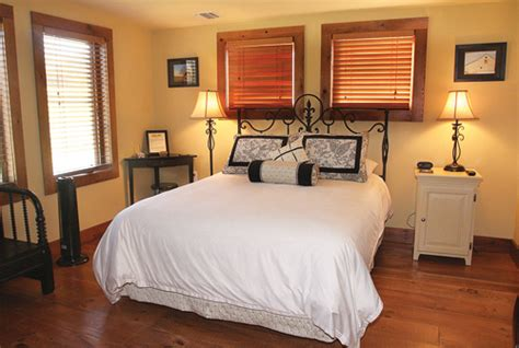 cedar house bed and breakfast north fork lodging where to spend the night