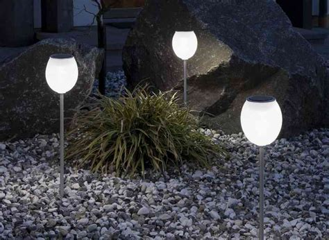 Best Solar Landscape Lighting Solar Powered Outdoor Lighting An Economical Solution For Your Garden 4