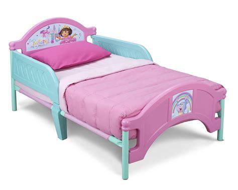 nickelodeon dora the explorer 4 piece toddler bedding amazon com dora the explorer toddler bedding set