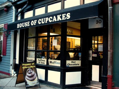 house of cupcakes house of cupcakes food network la marqueta