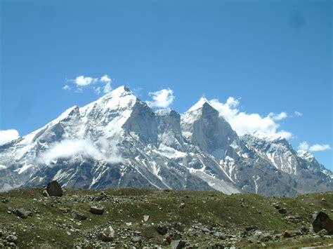 Himalayan L | valanga sull himalaya tra i 13 morti anche un italiano