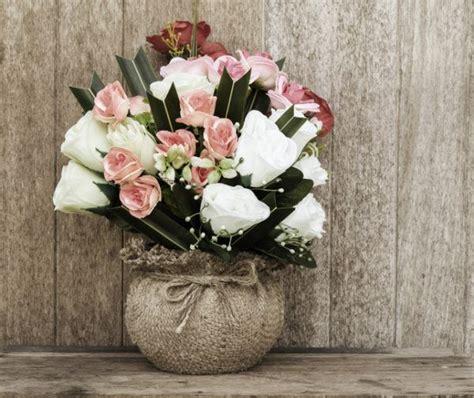 imagenes de rosas en jarrones 16 ideas decorativas de jarrones con flores bloghogar com