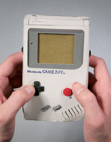 Gameboy Papercraft - boy free paper model papermodels